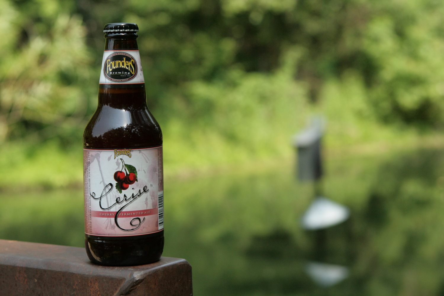Fouders Cerise summer cherry beer for the lake.