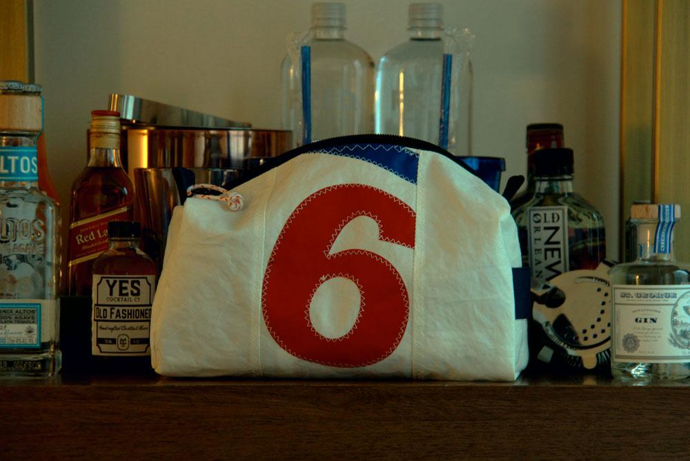 Re-Sails durable men's dopp kit toiletry bag for travel.